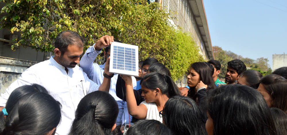 Solar Workshop Drive: Low Power Systems Powered by Solar Energy